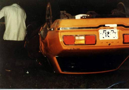 Ford Mustang II crash