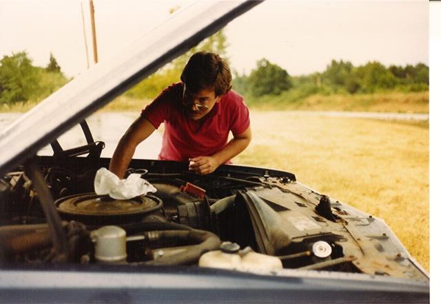 1979 Pontiac Catalina check oil