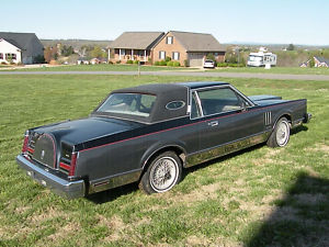 1982 Lincoln Continental Mark VI Givenchy